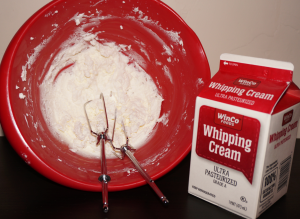 In 5 minutes I make my own whipping cream beating the heavy cream with sugar.